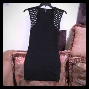 Sleeveless dress with studs black